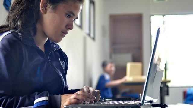 Más de 27.000 dispositivos digitales se han entregado en los colegios de la ciudad