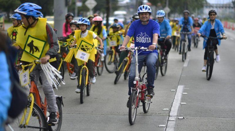 Con gran caravana en bici se clausuraron actividades de programa 'Niños primero'