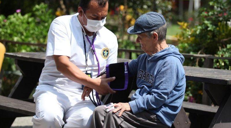 ¿A qué se debe aislamiento de pacientes con hipertensión, diabetes y obesidad?