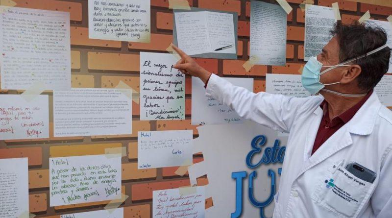 Cientos de mensajes escritos por los ciudadanos llegaron al personal de salud