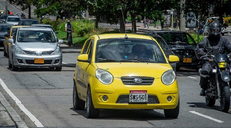 Taxistas en Bogotá quieren aprender a resolver conflictos en la vía y en casa